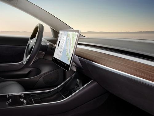 Kokpit Tesla Model 3