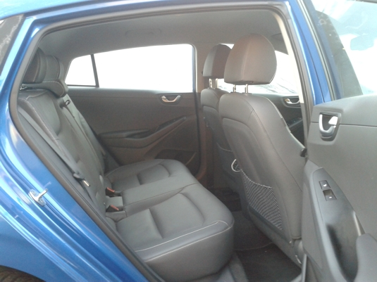 Zadní sedadla elektromobilu Hyundai Ioniq Electric